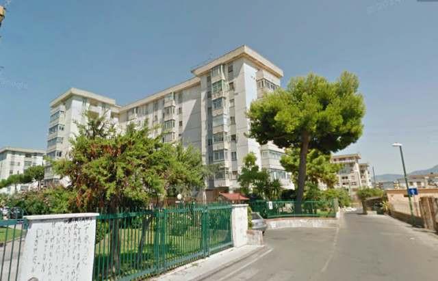 Appartamento in vendita a Torre Annunziata, 4 locali, zona Località: nord, prezzo € 180.000 | Cambio Casa.it