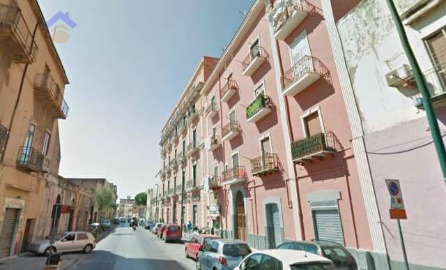 Appartamento in vendita a Torre Annunziata, 4 locali, zona Località: sud, prezzo € 150.000 | CambioCasa.it
