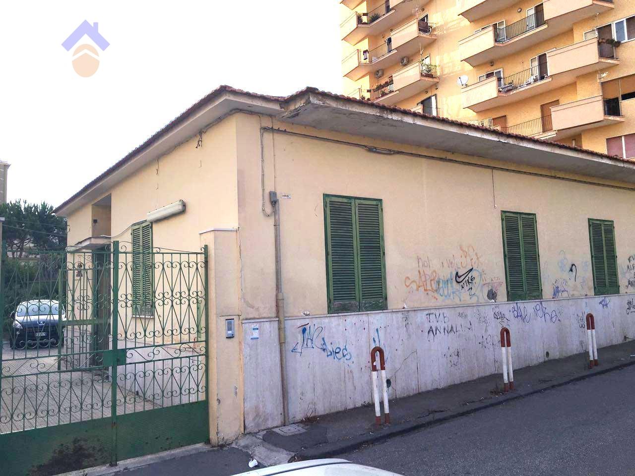 Villa in vendita a Torre Annunziata, 5 locali, zona Località: nord, prezzo € 450.000 | Cambio Casa.it