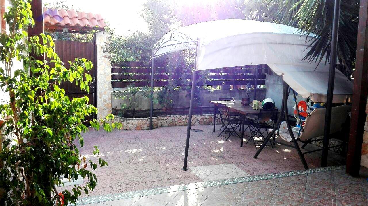 Villa in vendita a Torre Annunziata, 4 locali, prezzo € 205.000 | Cambio Casa.it