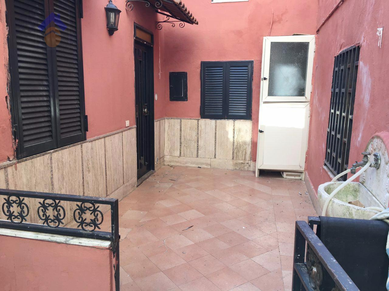 Appartamento in affitto a Torre Annunziata, 1 locali, zona Località: nord, prezzo € 75.000   CambioCasa.it