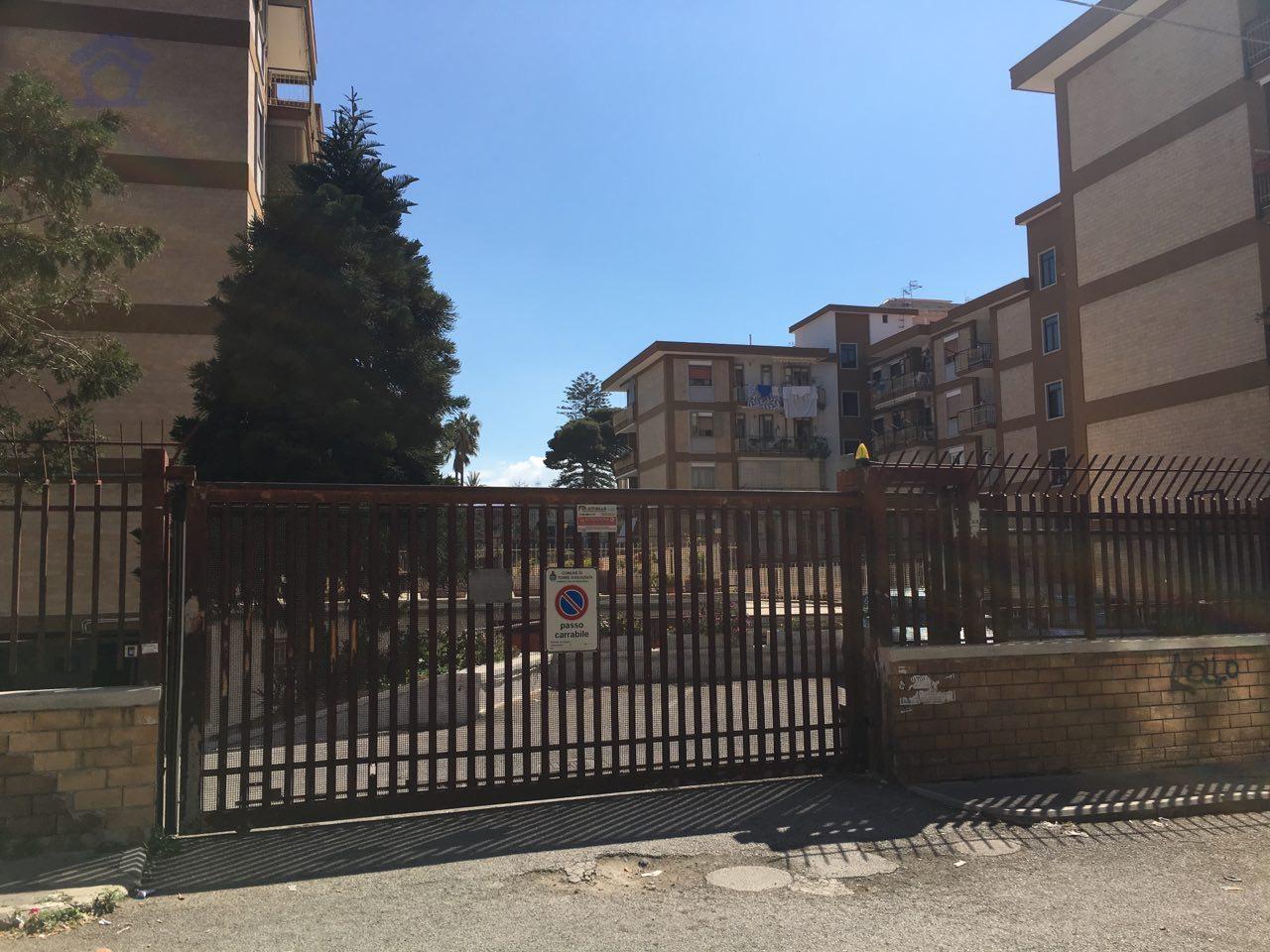 Box / Garage in Vendita a Torre Annunziata