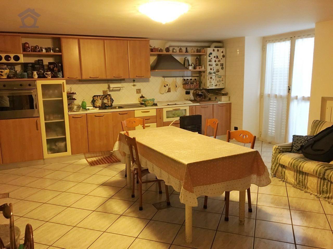 Appartamento in affitto a Torre Annunziata, 2 locali, zona Località: sud, prezzo € 300 | CambioCasa.it