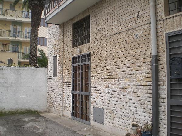 Bilocale Bari Vico Piccinni 1