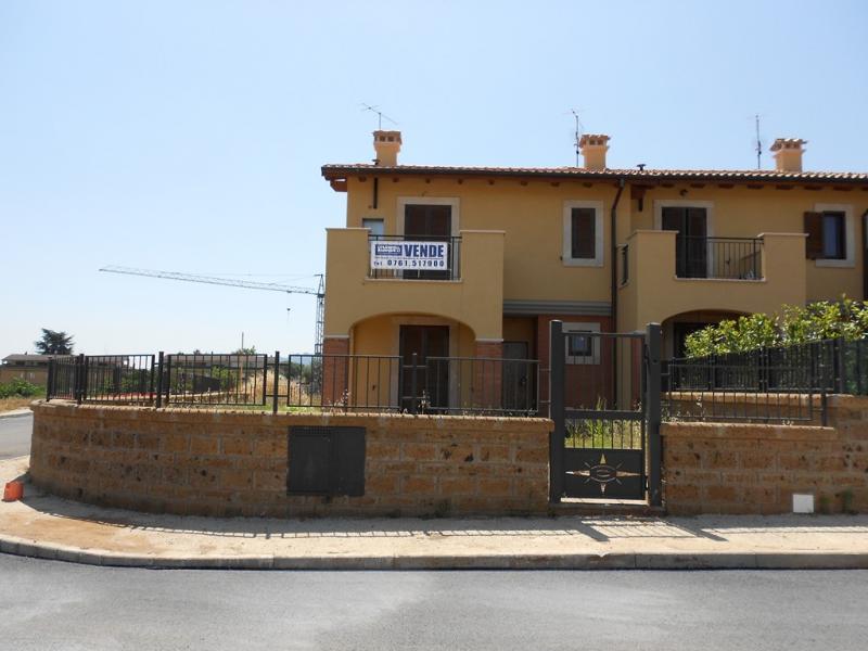 Villa a Schiera in vendita a Civita Castellana, 6 locali, prezzo € 259.000 | Cambio Casa.it