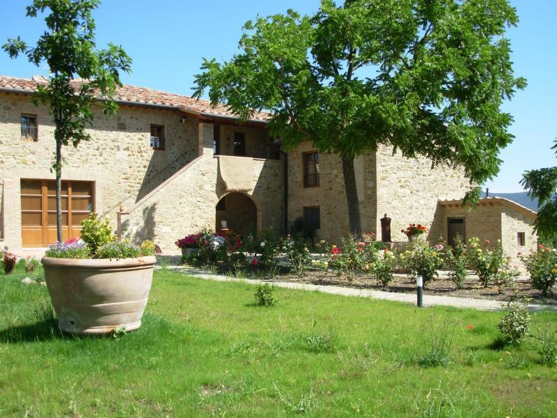 Azienda Agricola in vendita a Radicondoli, 9999 locali, prezzo € 2.100.000 | Cambio Casa.it