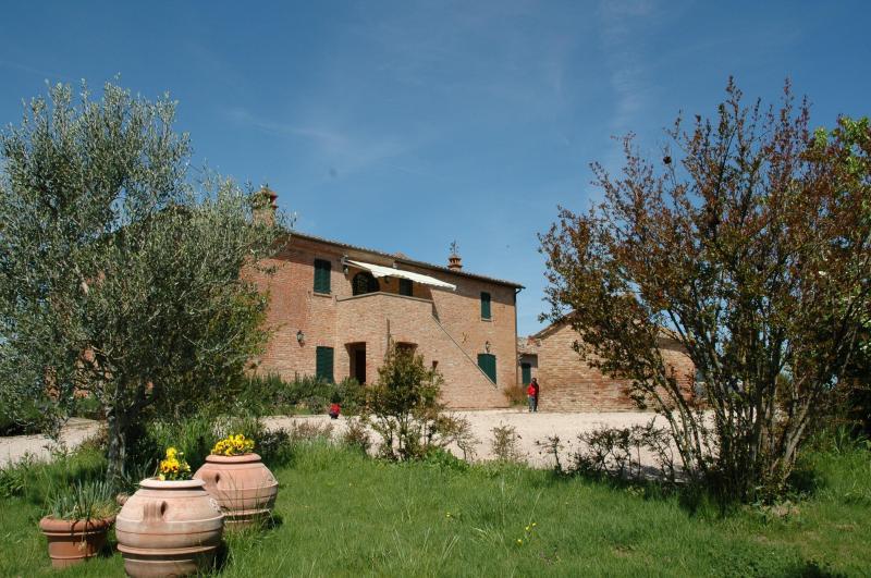 Rustico / Casale in vendita a Castiglione del Lago, 10 locali, zona Zona: Gioiella, prezzo € 790.000   Cambiocasa.it