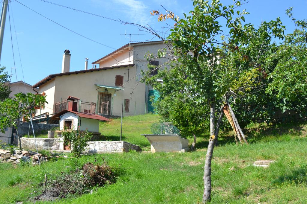 Soluzione Semindipendente in vendita a Cascia, 5 locali, zona Località: Colmotino, prezzo € 35.000 | CambioCasa.it