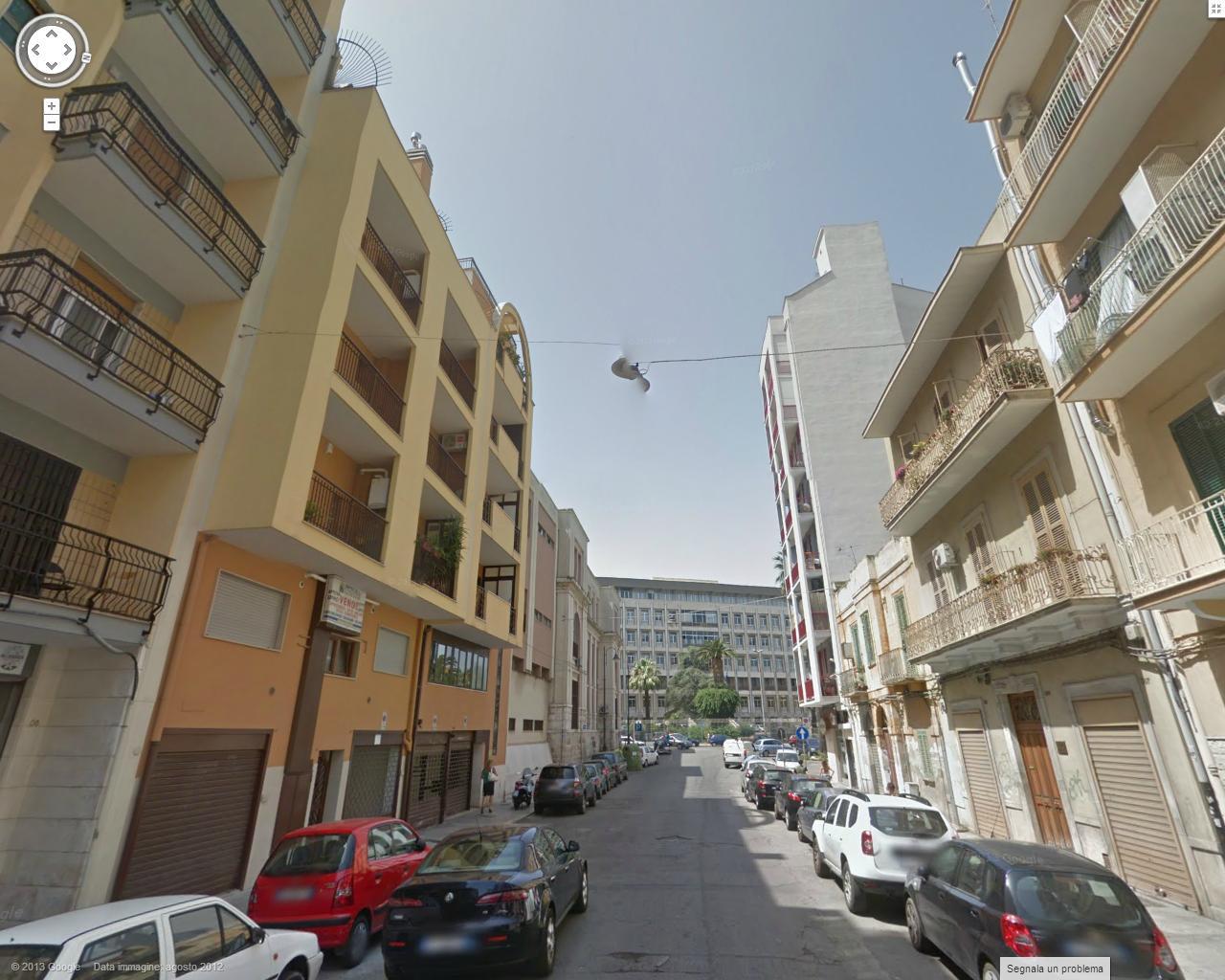 Bilocale Bari Via Calefati 2