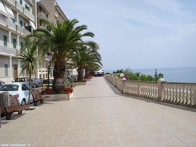 Appartamento in vendita a Ortona, 7 locali, prezzo € 498.000 | Cambio Casa.it