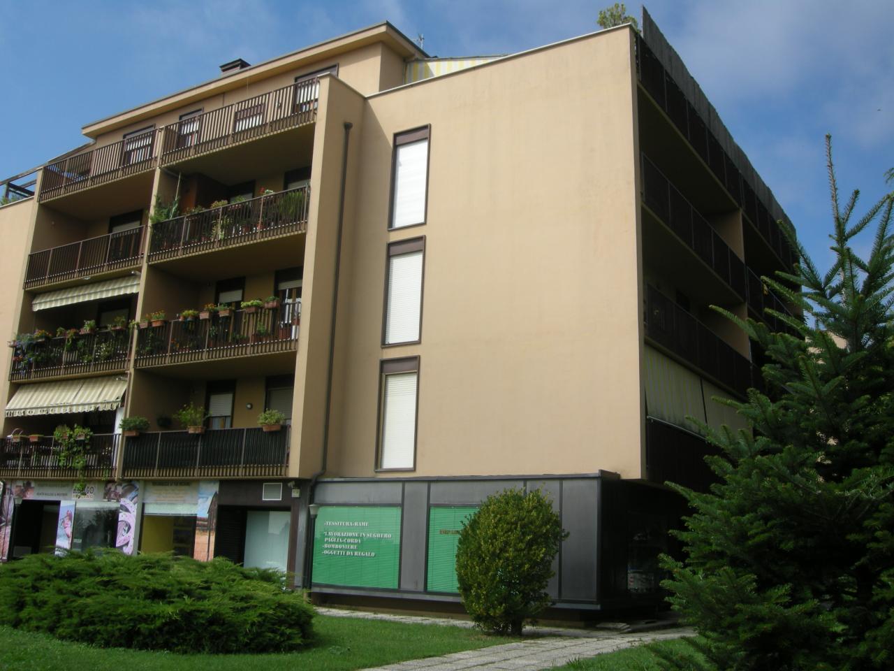 Appartamento in vendita a Bastia Umbra, 4 locali, prezzo € 125.000 | Cambio Casa.it