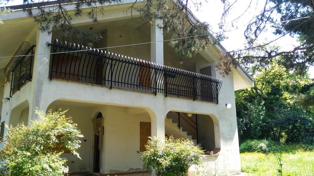Soluzione Semindipendente in affitto a Roccamontepiano, 6 locali, prezzo € 180.000 | Cambio Casa.it