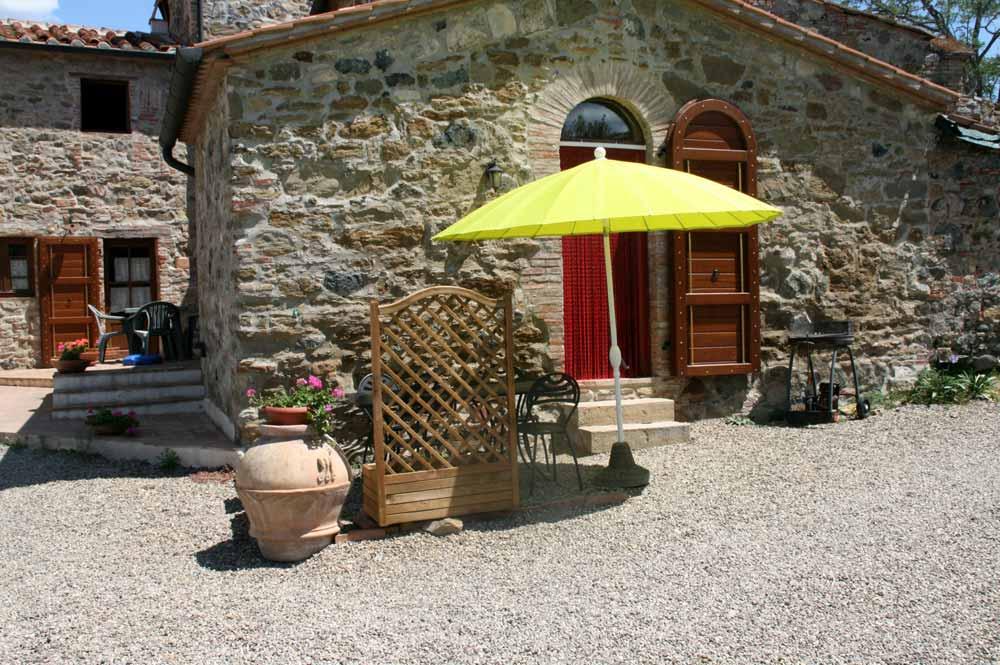Casa indipendente in vendita a Castelnuovo di Val di Cecina in Borgo Cerbaiola, Montecastelli Pisano Pi