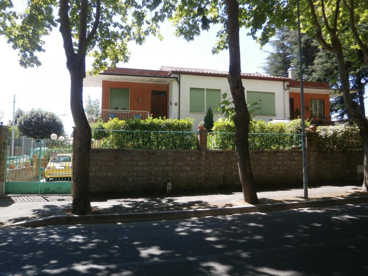 Villa in affitto a Civita Castellana, 6 locali, prezzo € 650 | Cambio Casa.it