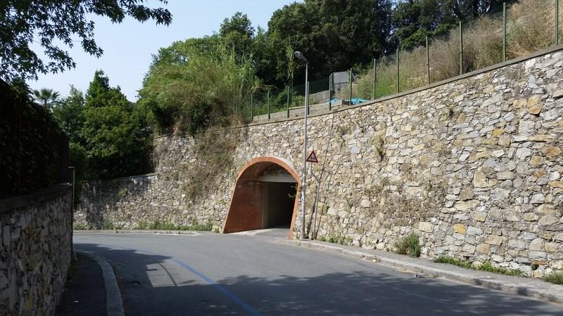 Box in vendita a Genova in Via Lorenzo Stallo