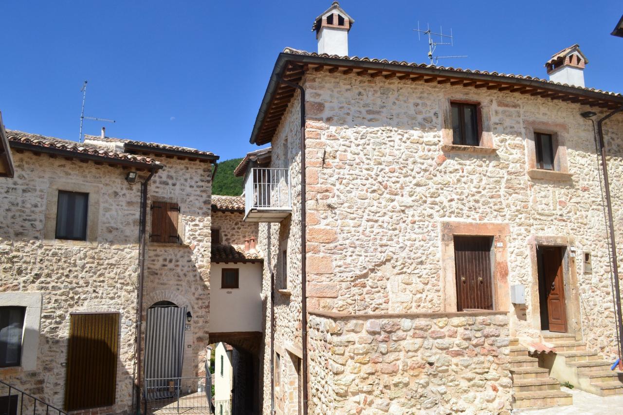 Altro in vendita a Sellano, 4 locali, zona Località: IlCasale, prezzo € 49.000 | Cambio Casa.it