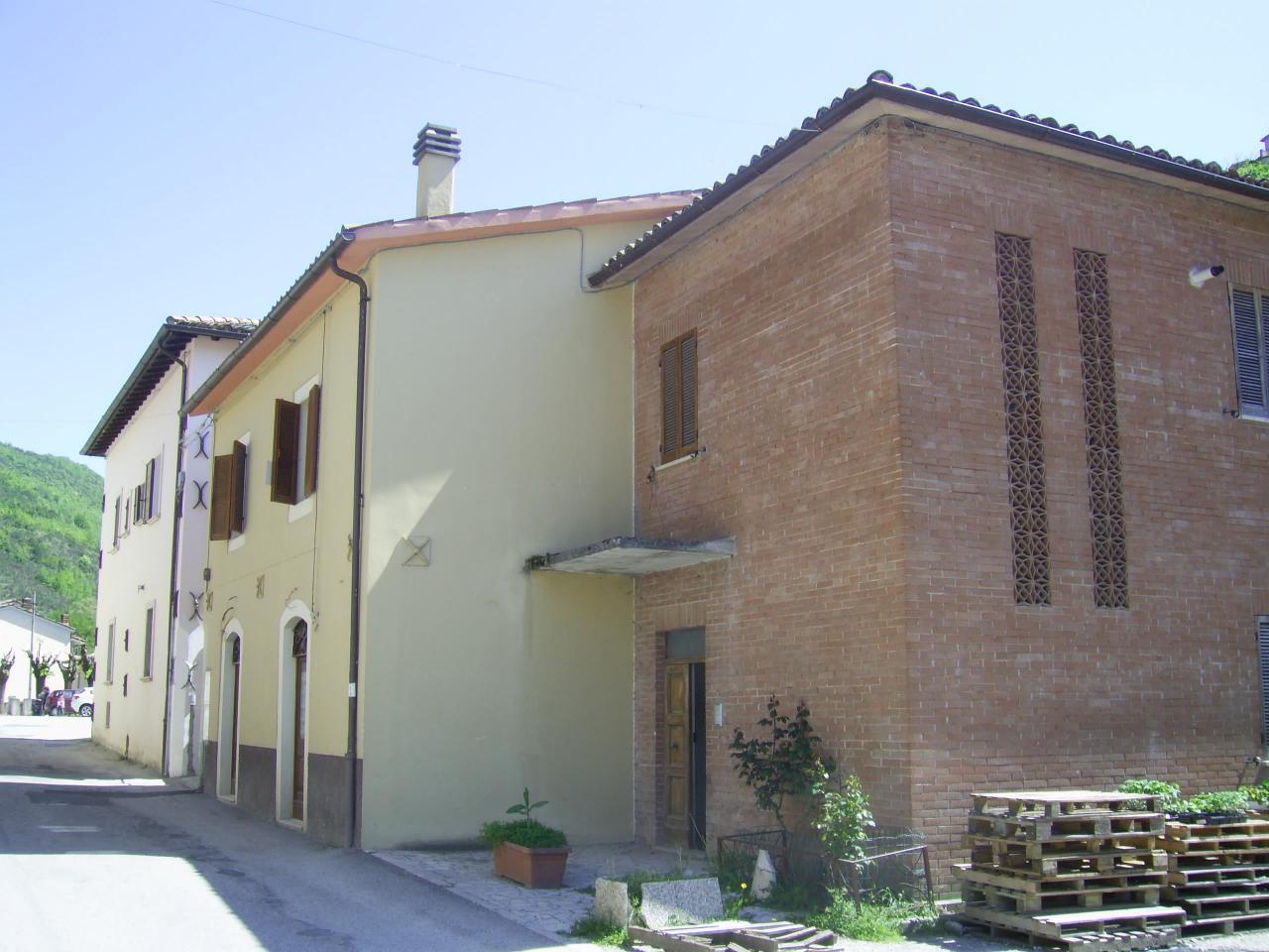 Appartamento in vendita a Preci, 4 locali, prezzo € 54.500 | Cambio Casa.it