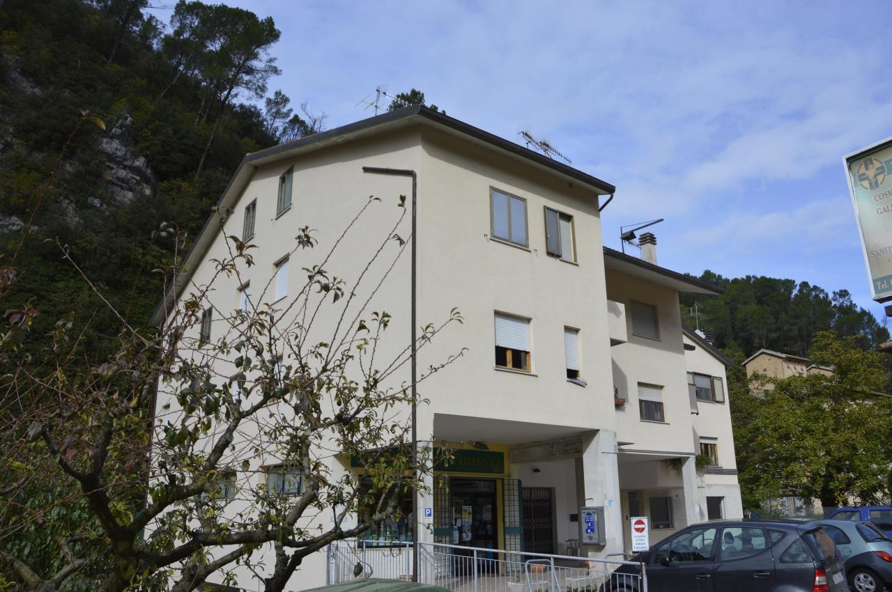 Appartamento in vendita a Scheggino, 5 locali, zona Località: Scheggino-Centro, prezzo € 108.000 | Cambio Casa.it