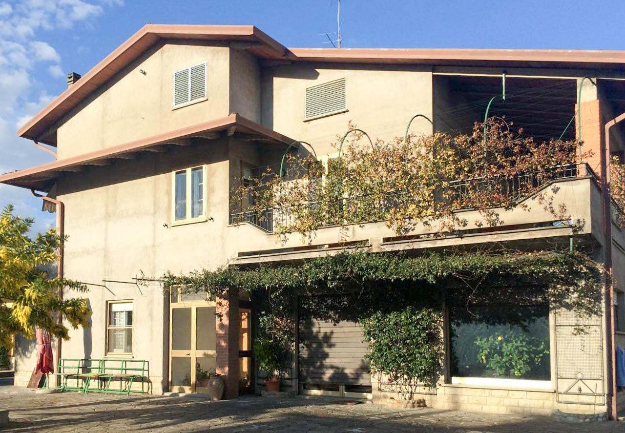 Soluzione Indipendente in vendita a Torgiano, 7 locali, prezzo € 255.000 | Cambio Casa.it
