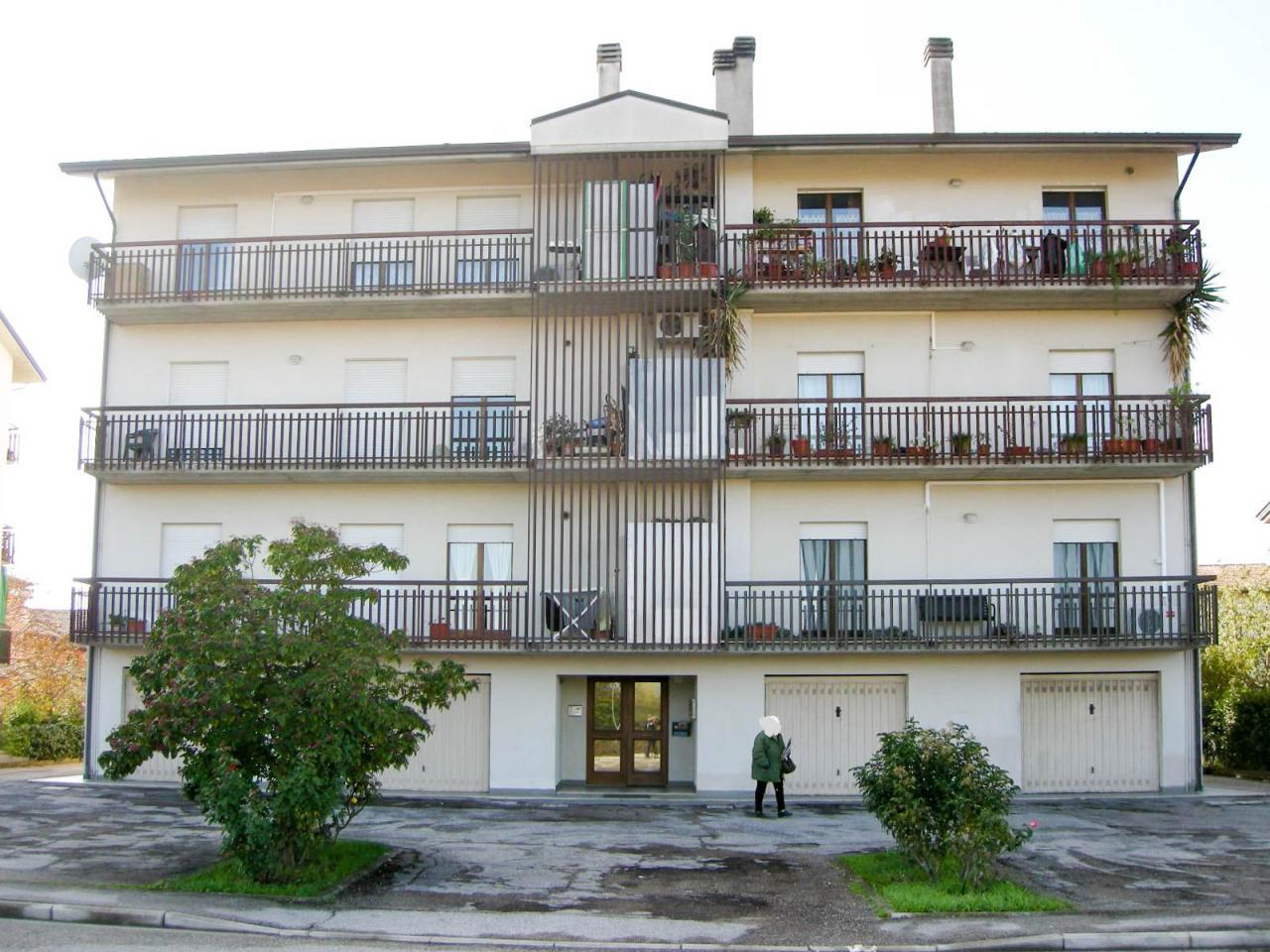 Appartamento in vendita a Bastia Umbra, 4 locali, zona Zona: Bastiola, prezzo € 185.000 | Cambio Casa.it