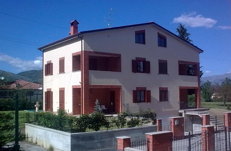 Villa in vendita a Scoppito, 8 locali, zona Località: MadonnadellaStrada, prezzo € 330.000   Cambio Casa.it