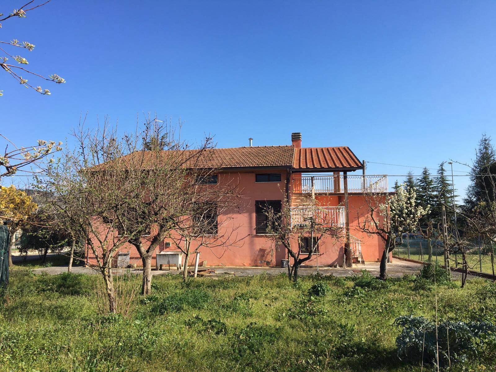 Soluzione Indipendente in Vendita a Assisi
