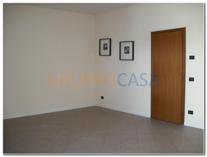 Negozio / Locale in affitto a Altopascio, 9999 locali, zona Zona: Marginone, prezzo € 400 | Cambio Casa.it