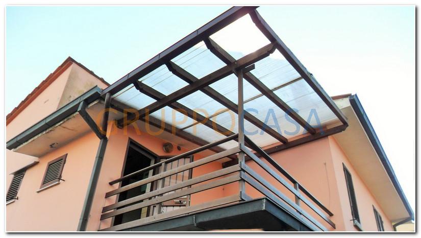 Soluzione Semindipendente in affitto a Pescia, 4 locali, zona Zona: Alberghi, prezzo € 350 | Cambio Casa.it