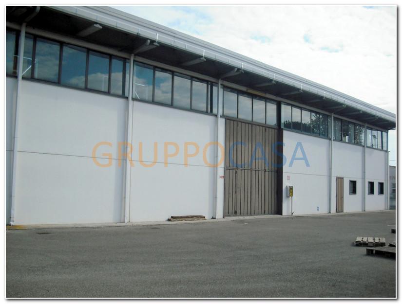 Capannone in affitto a Altopascio, 9999 locali, zona Località: Chimenti, prezzo € 3.500 | Cambio Casa.it