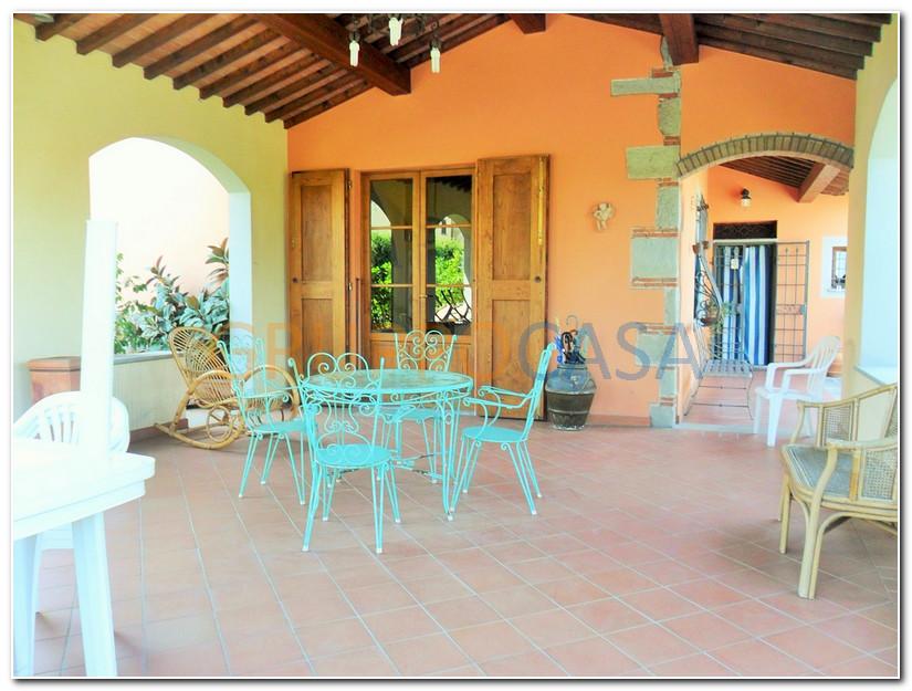 Soluzione Indipendente in vendita a Uzzano, 6 locali, zona Località: S.aLucia, prezzo € 370.000 | Cambio Casa.it