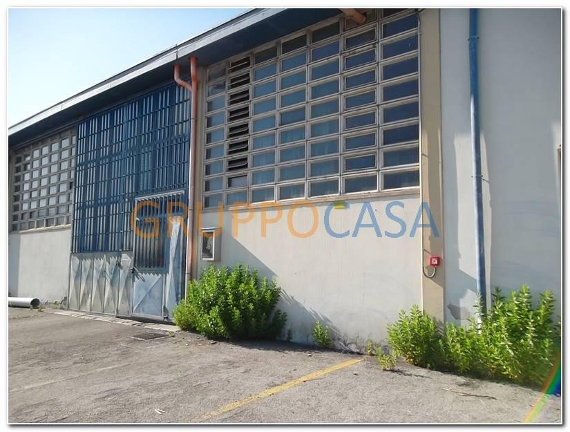Capannone in affitto a Altopascio, 9999 locali, zona Località: Centro, Trattative riservate | Cambio Casa.it
