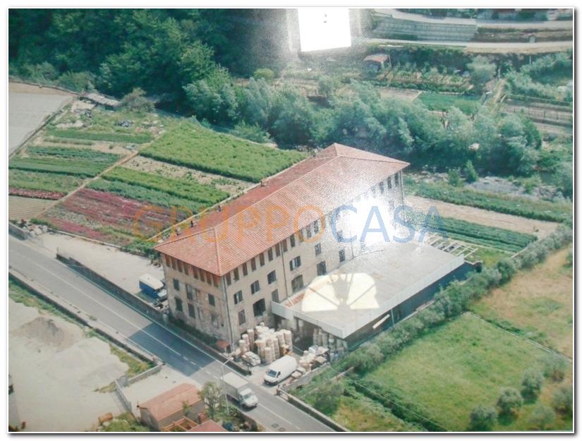Capannone in vendita a Pescia, 9999 locali, zona Zona: Pietrabuona, prezzo € 850.000 | Cambio Casa.it