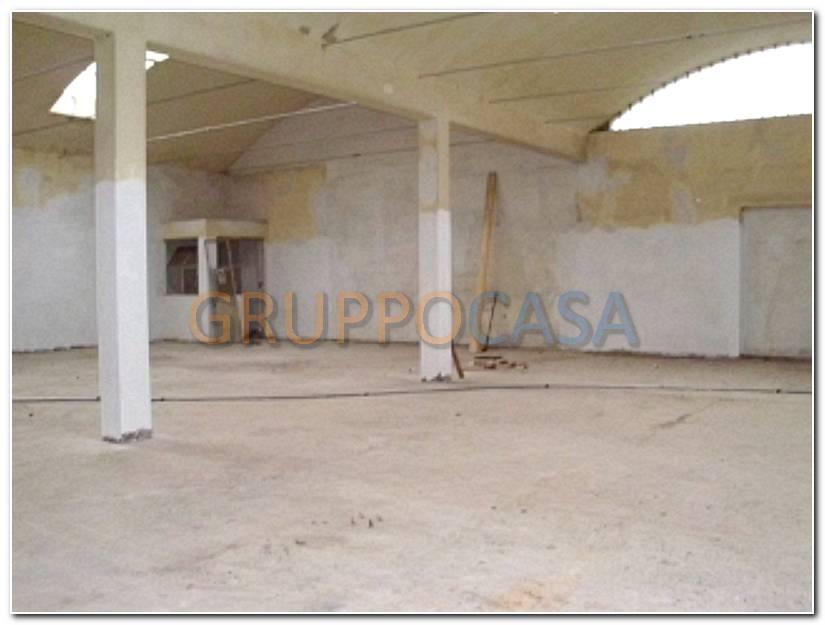 Capannone in affitto a Uzzano, 9999 locali, zona Località: S.aLucia, prezzo € 1.000 | Cambio Casa.it