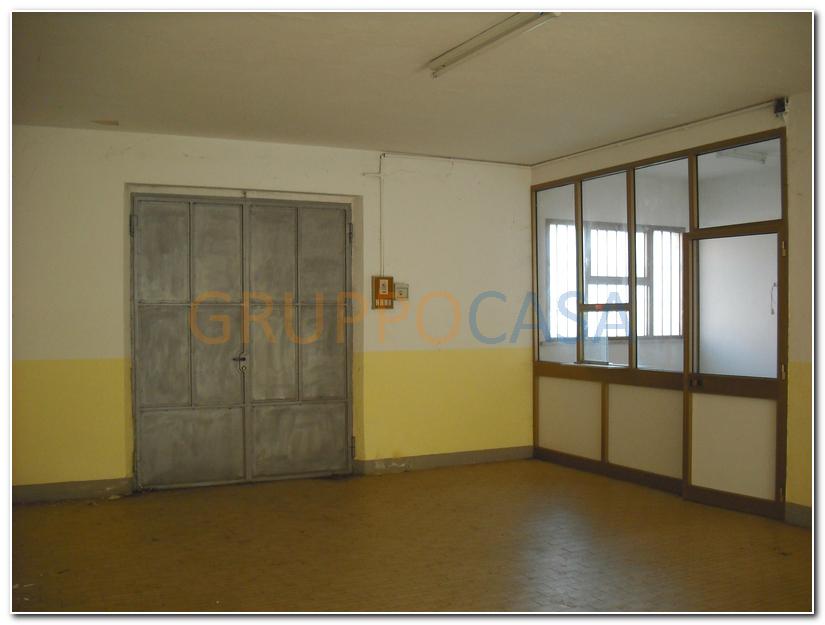 Laboratorio in vendita a Altopascio, 9999 locali, zona Zona: Spianate, prezzo € 100.000 | Cambio Casa.it