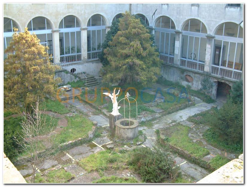 Palazzo / Stabile in vendita a Pescia, 60 locali, zona Località: Centro, prezzo € 4.000.000 | Cambio Casa.it