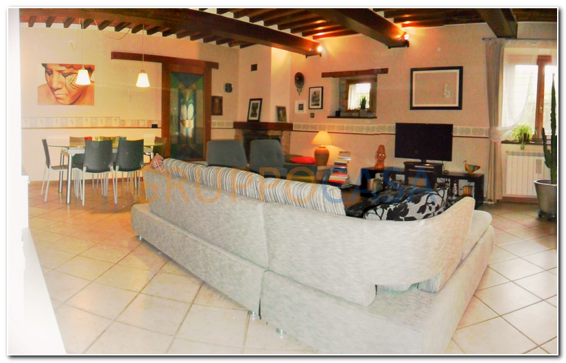 Rustico / Casale in vendita a Uzzano, 8 locali, zona Zona: Torricchio, prezzo € 275.000 | Cambio Casa.it