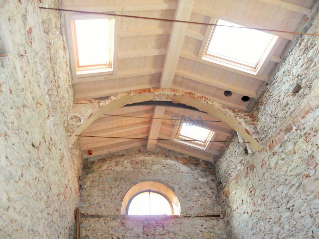 Rustico / Casale in vendita a Uzzano, 1 locali, zona Zona: Torricchio, prezzo € 80.000 | Cambio Casa.it