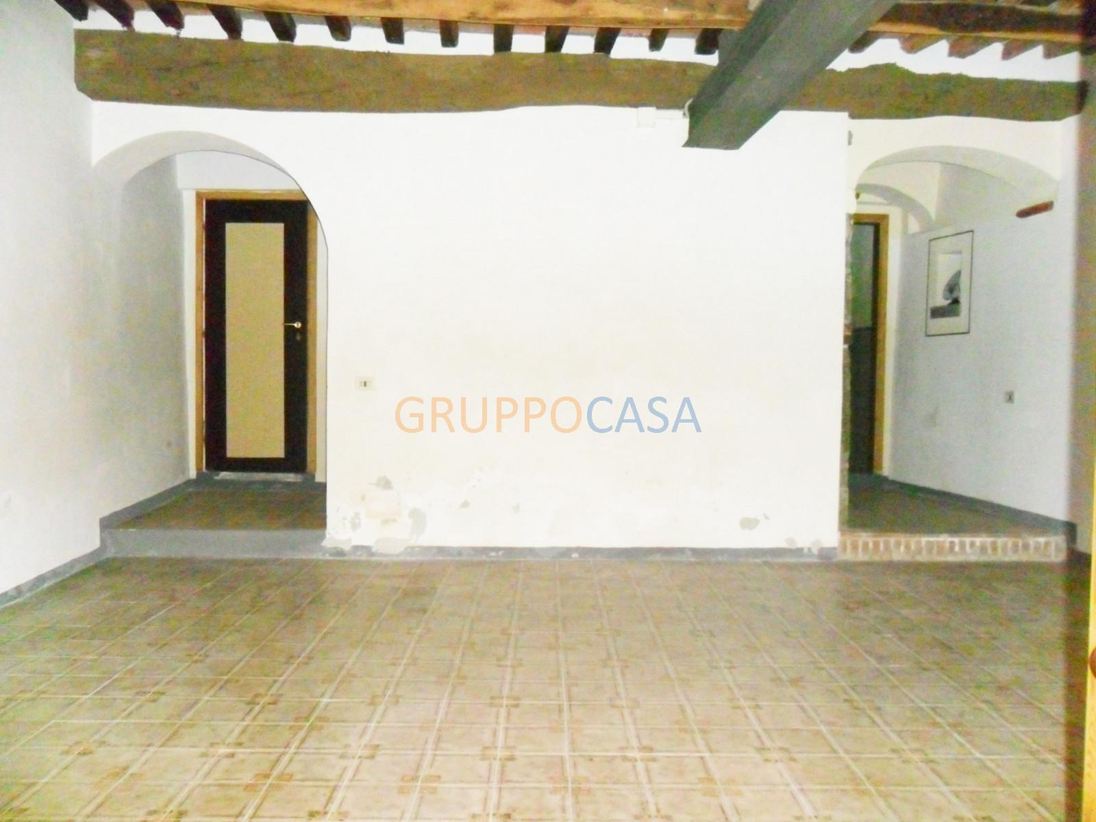 Negozio / Locale in vendita a Pescia, 9999 locali, zona Località: Centro, prezzo € 55.000 | Cambio Casa.it