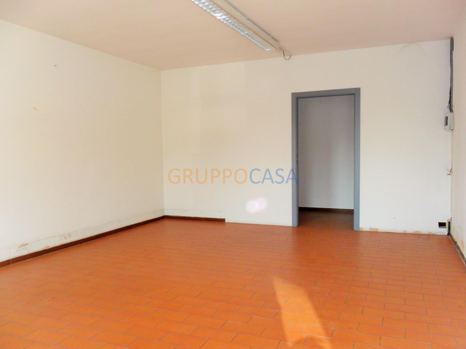 Ufficio / Studio in Vendita a Uzzano