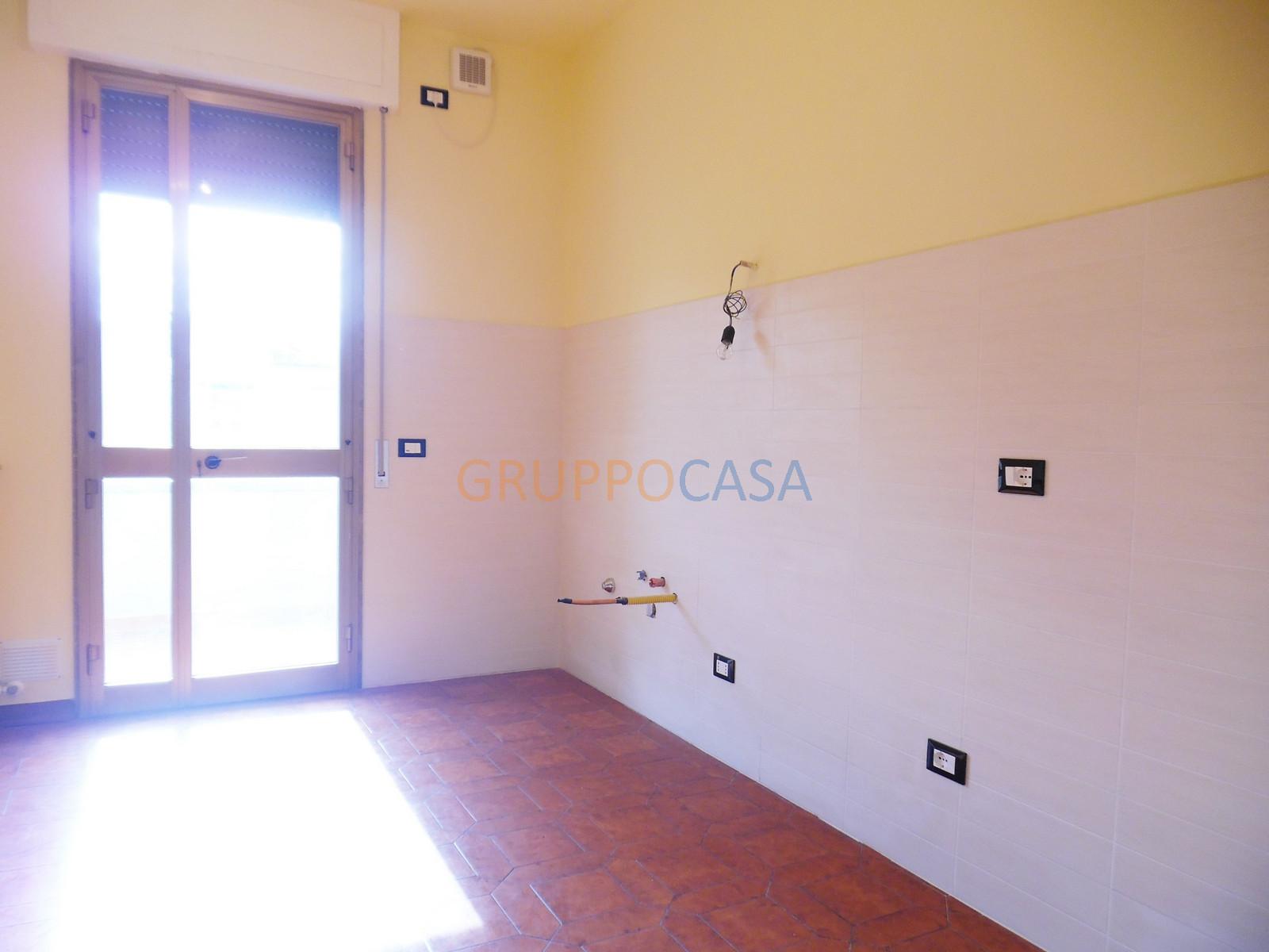 Appartamento in affitto a Chiesina Uzzanese, 4 locali, zona Località: Centro, prezzo € 500 | Cambio Casa.it
