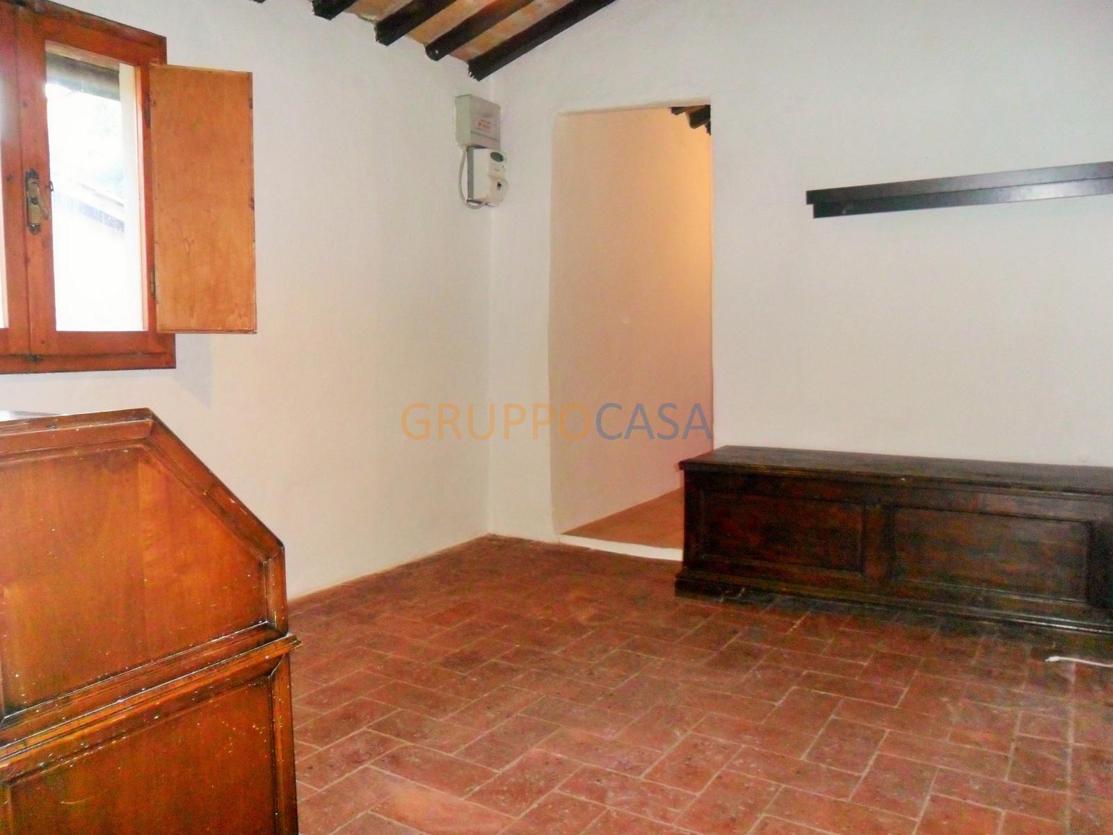 Appartamento in affitto a Pescia, 3 locali, zona Località: Centro, prezzo € 300 | Cambio Casa.it