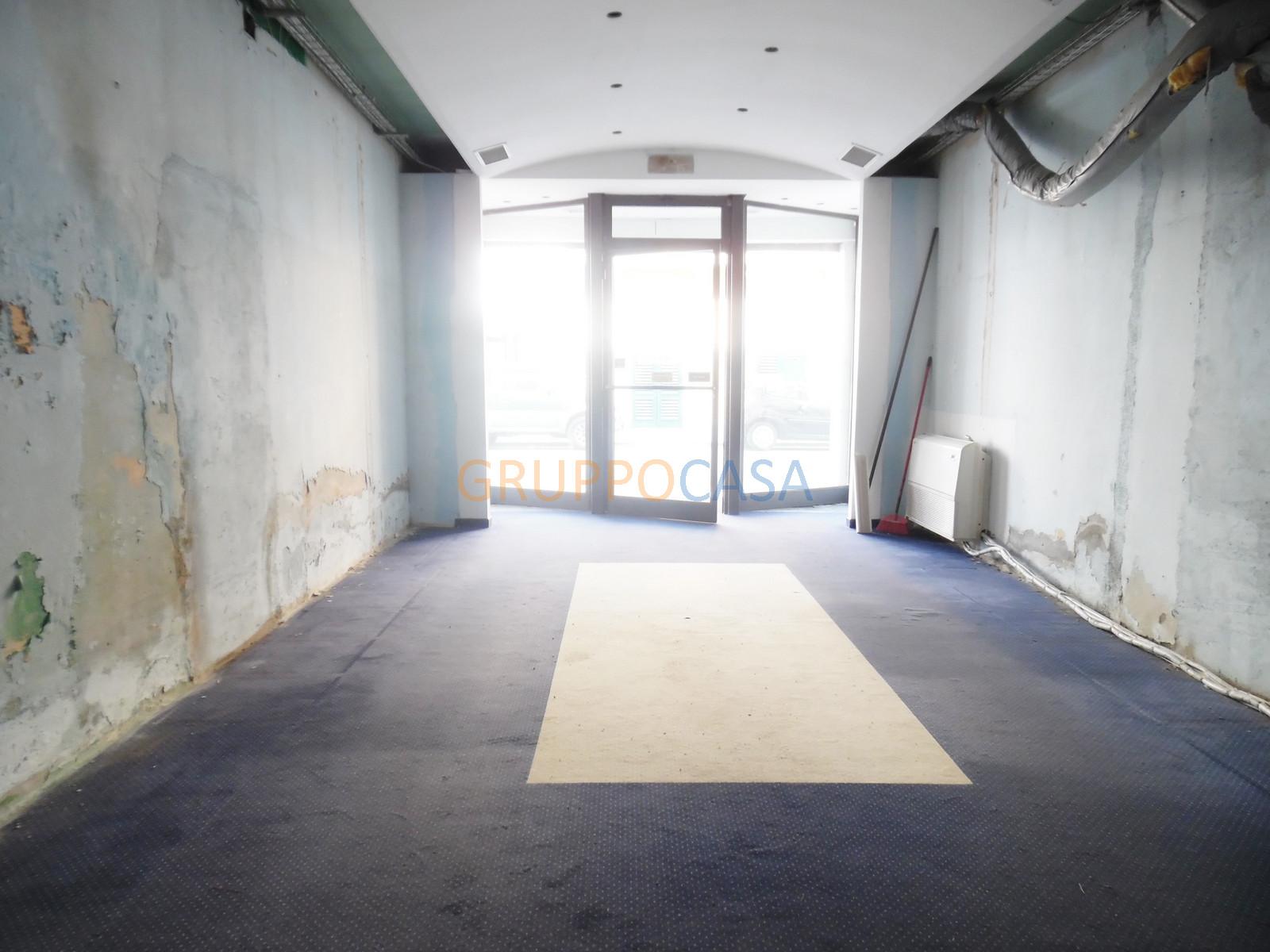 Negozio / Locale in affitto a Chiesina Uzzanese, 9999 locali, zona Località: Centro, prezzo € 300 | Cambio Casa.it