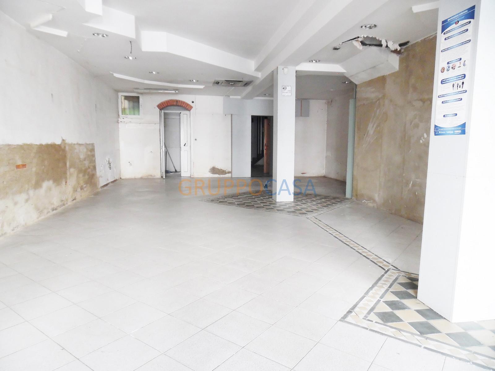 Negozio / Locale in affitto a Chiesina Uzzanese, 9999 locali, zona Località: Centro, prezzo € 900 | Cambio Casa.it