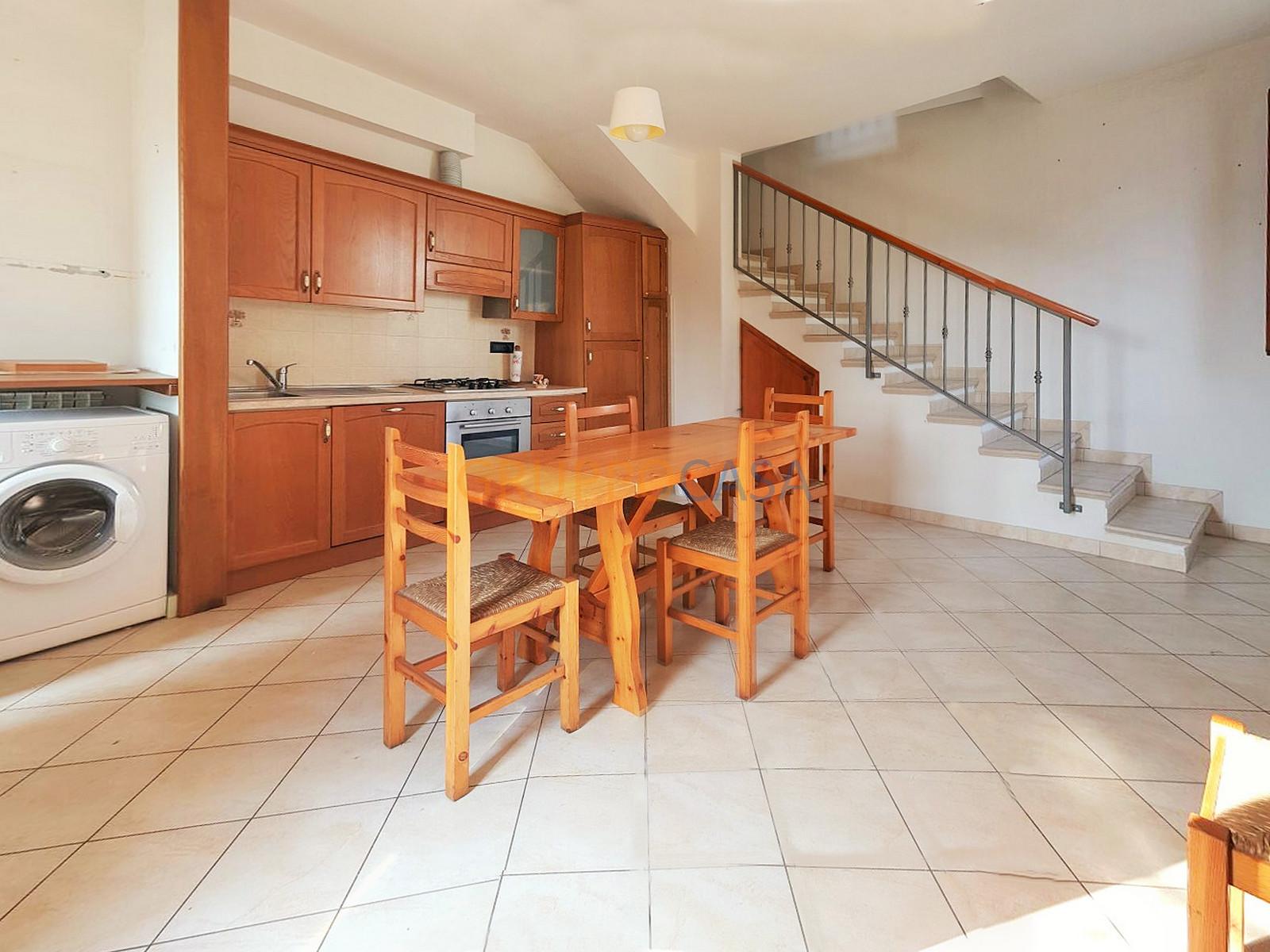 Soluzione Indipendente in vendita a Uzzano, 7 locali, zona Località: S.aLucia, prezzo € 229.000 | Cambio Casa.it