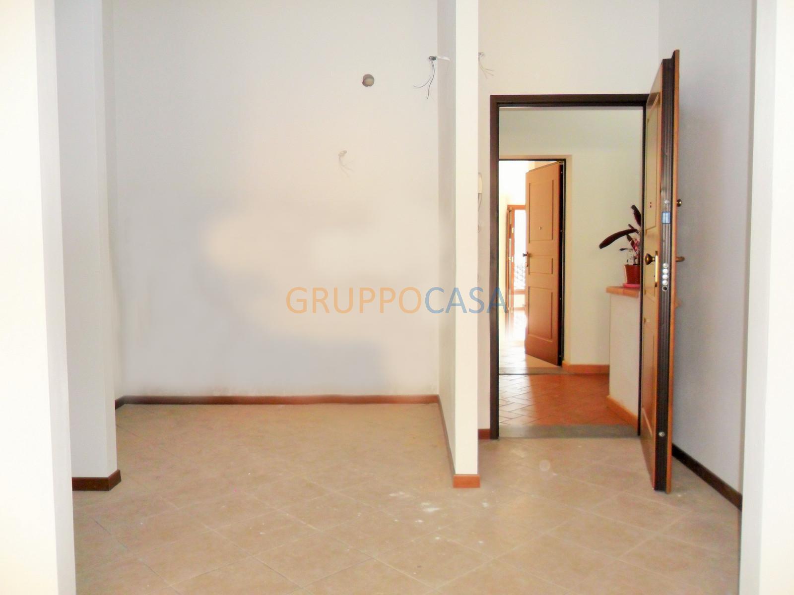 Appartamento in affitto a Pescia, 3 locali, zona Località: Centro, prezzo € 480   Cambio Casa.it