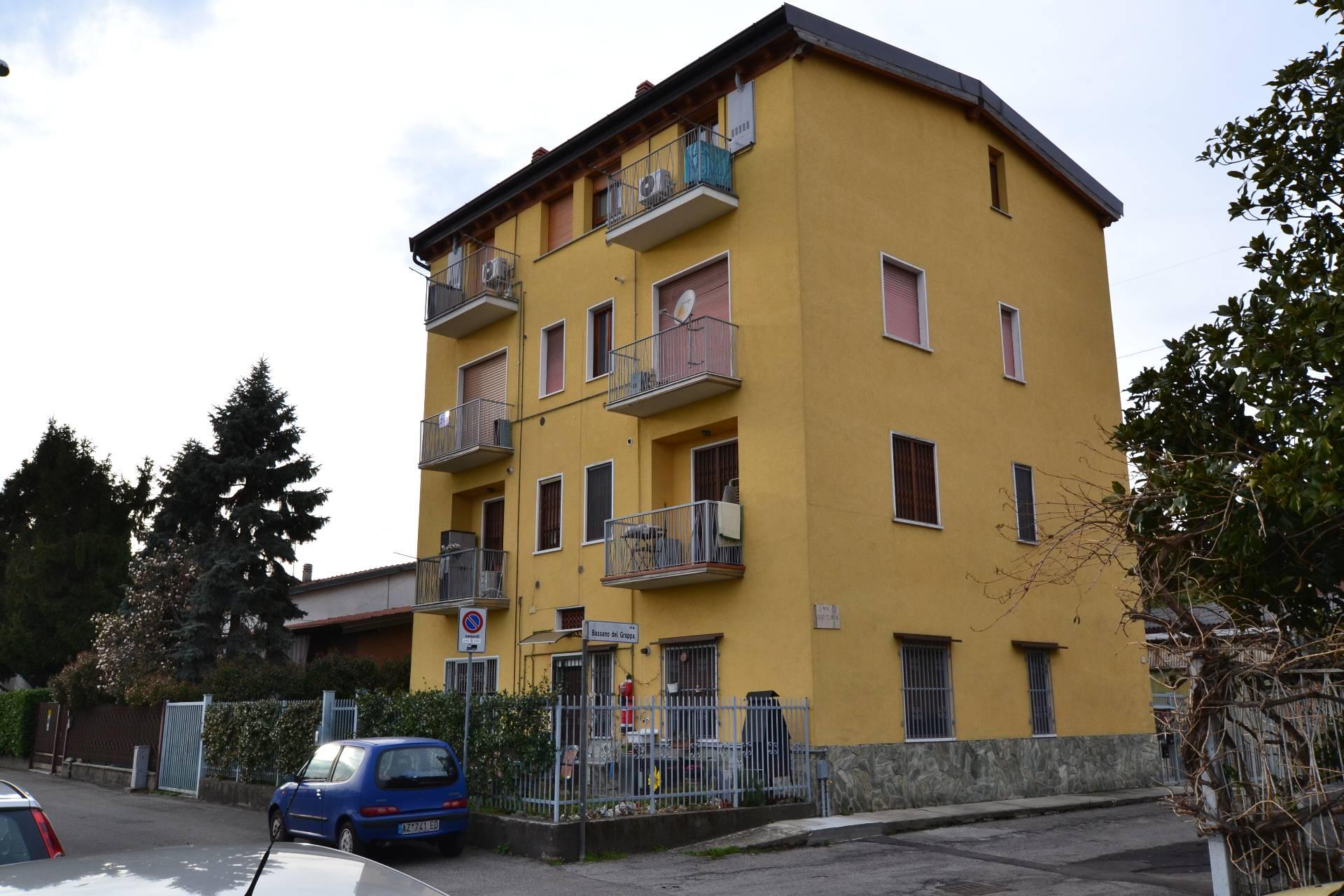 Bilocale Cologno Monzese Via Bassano Del Grappa 1