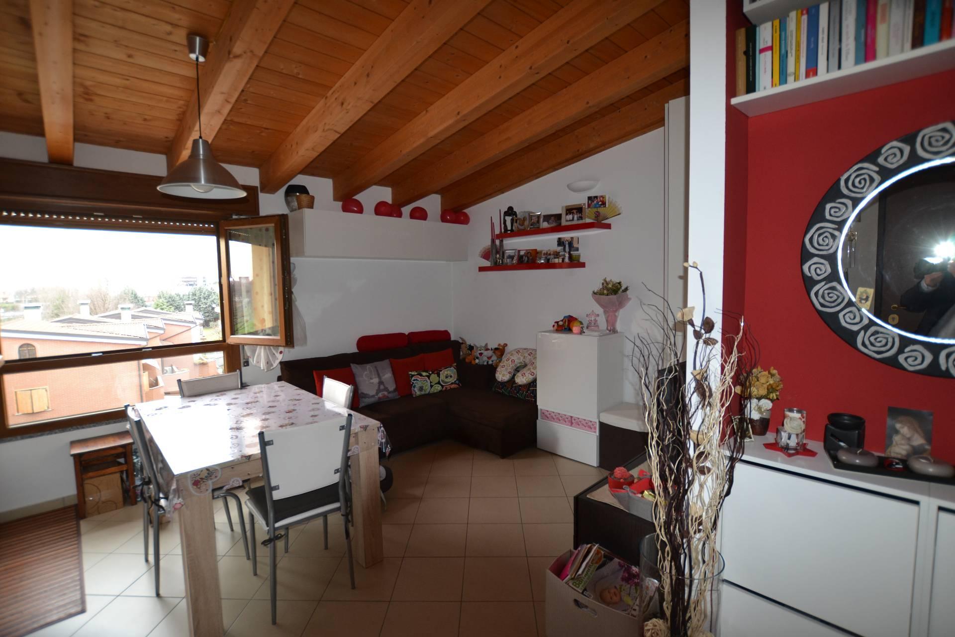 Bilocale Cologno Monzese Via Bassano Del Grappa 2