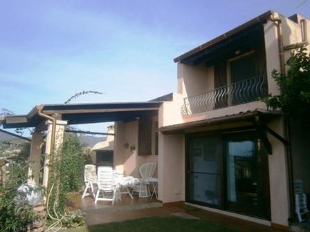 Villa in vendita a Villasimius, 4 locali, zona Località: Mare(nonspecificato, prezzo € 435.000 | Cambio Casa.it