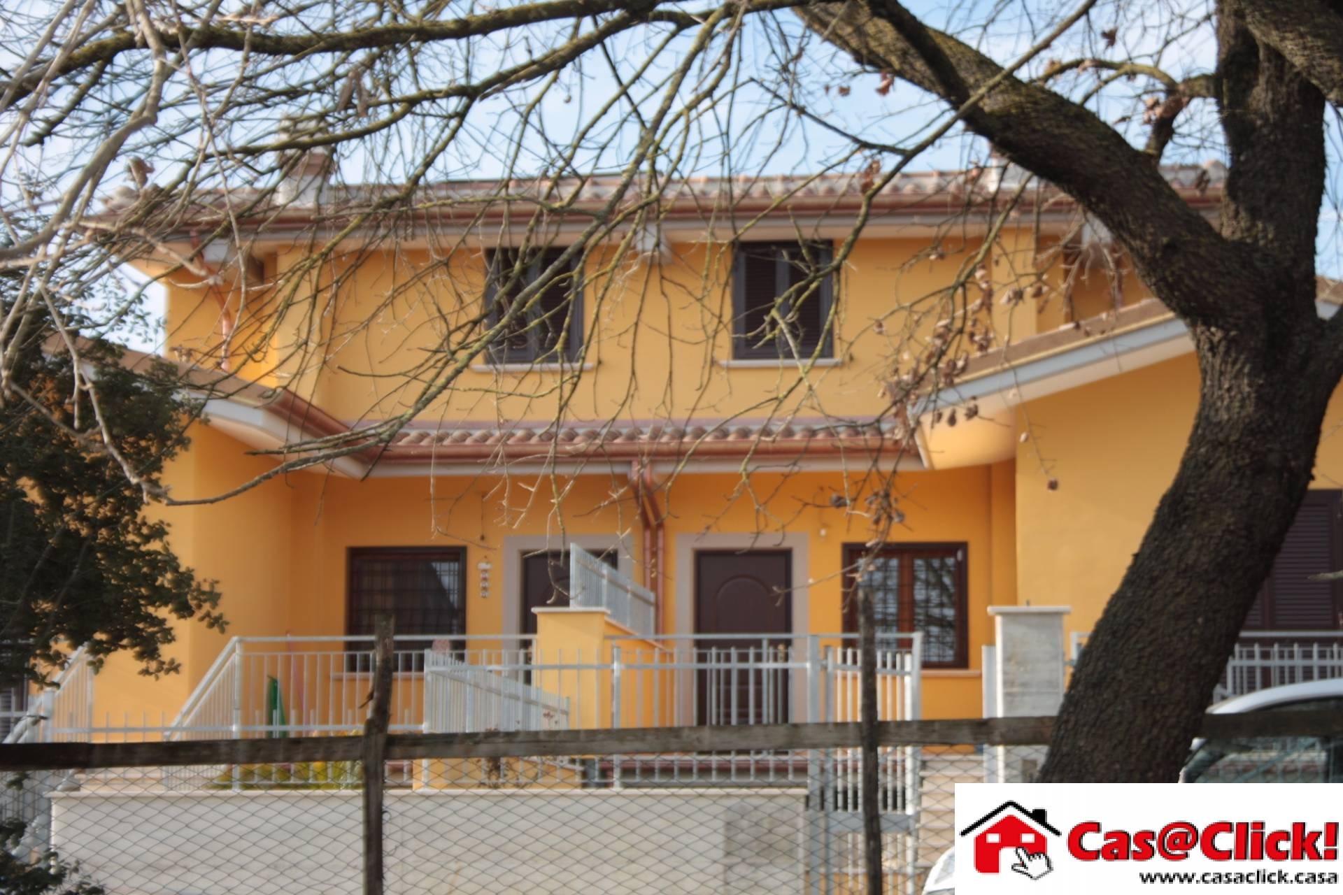 Villa Bifamiliare in vendita a Anagni, 7 locali, prezzo € 170.000 | CambioCasa.it