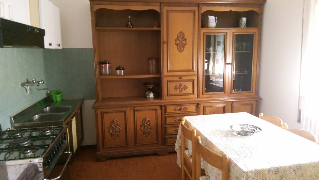 Appartamento in affitto a Alba Adriatica, 3 locali, prezzo € 200 | CambioCasa.it